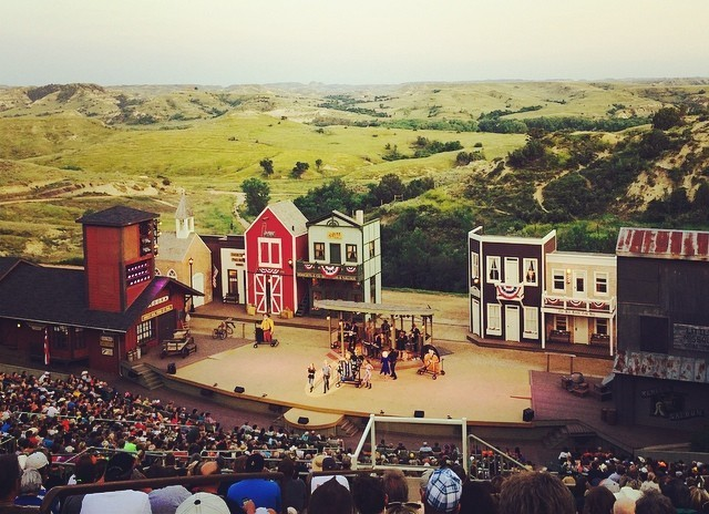 Wil and Judy Eades Traveling the USA........: City of Medora ...